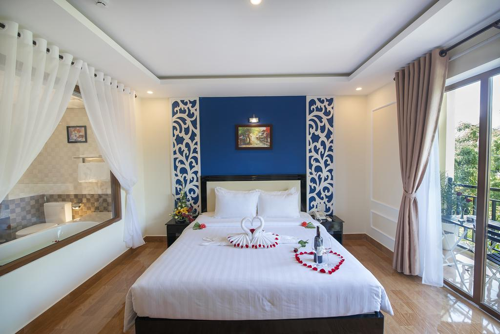 Junior Double Room 1 - Hoi An Rose Garden