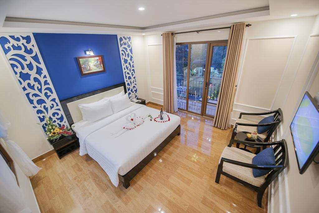 Junior Double Room 2